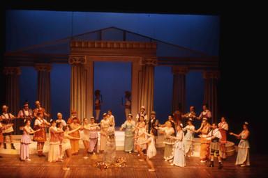 Photographie : Belle Hélène (La). 1994/1995, Opéra Théâtre de Limoges |